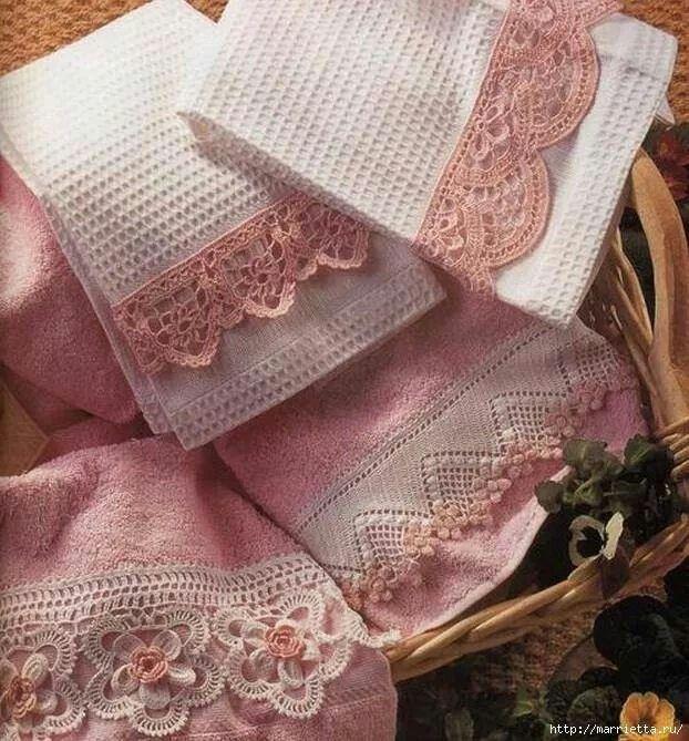 Apliques de puntillas crochet en toallas