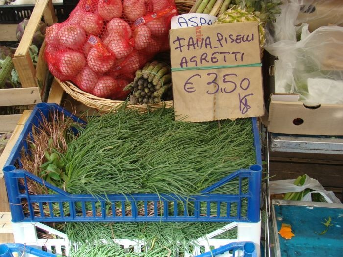 Agretti at a market in Roma.
