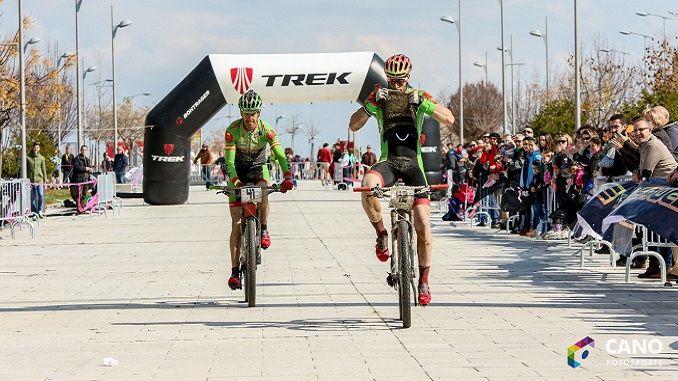Alberto Trujillo del Extremadura Ecopilas se ha enfundado el primer maillot de líder del Titán Extremadura Tour 2017 al ganar la Titán de los Ríos.