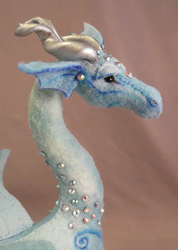 *FELT ART ~ Dragon, the artist did an incredible job on detail!  Inspires my passions!!  I haven't done crafts (per say) in a long time, however, when I look at the detail on some of these pieces these artist make, I can feel their passion....WOW!  I JUST LOVE IT!!