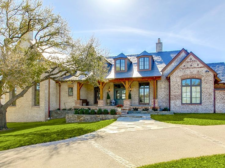 Craftsman style ranch homes interior a jewel in texas for Beautiful country homes
