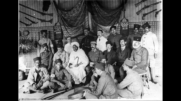 """Visite du pacha de Casablanca aux soldats hospitalisés à l'hôpital Cochin, la salle de repos ou """"café Maure"""", 18 juillet 1915."""