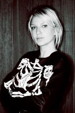 Sia Furler is an Australian singer and songwriter who is now vegan!