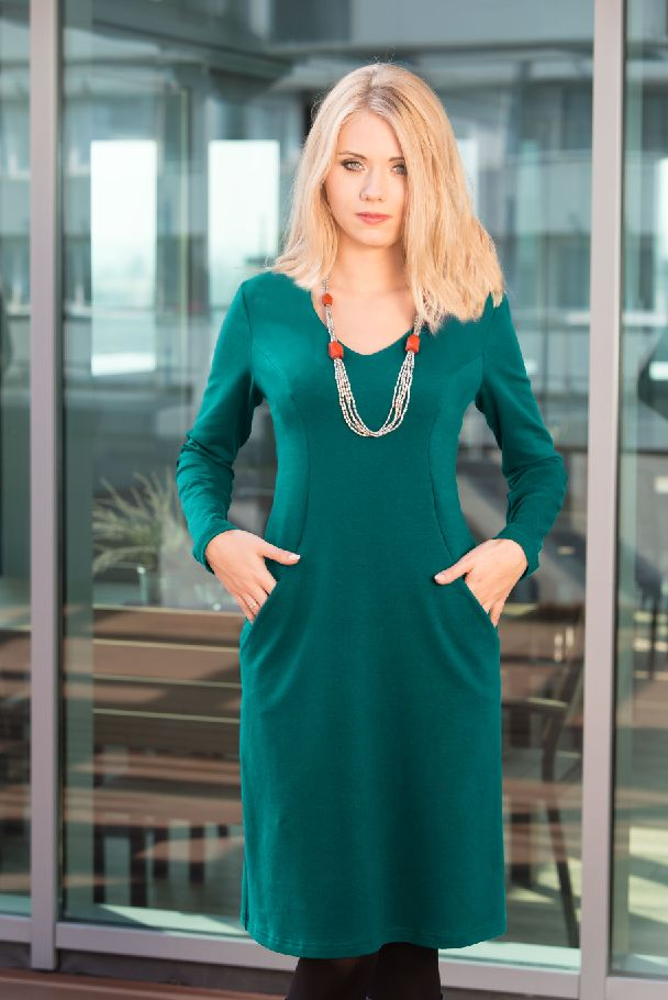 LORELEI emerald - BiuBiu- great color, like the v-neck. The pockets are hit or miss.