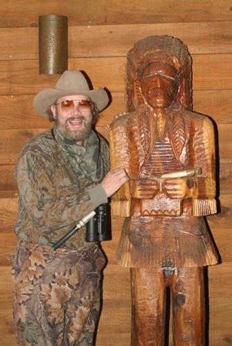 HANK WILLIAMS JR with POOR OLD KALIGA!......Symptom of something deeply wrong here.