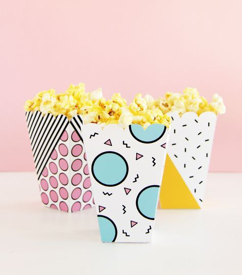 DIY your own popcorn snack box with these free printables! Festa Party, Diy Party, Party Ideas, Memphis, Party Printables, Free Printables, Popcorn Packaging, Box Packaging, Popcorn Snacks