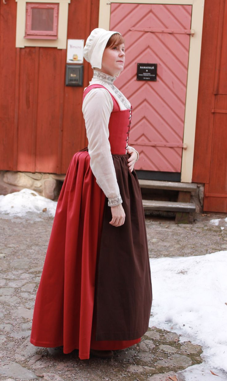Tudor Period Gown with Removable Sleeves designed by Jessica Brandon