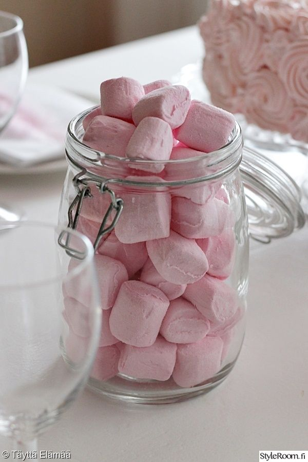 vaahtokarkit,purkki,vaaleanpunainen,kattaus,juhlakattaus,lasipurkki