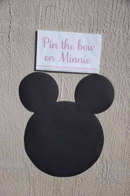 Minnie's Bowtique Birthday Party Games | Pin the Bow on Minnie | Life & Baby | www.lifeandbaby.com {Kids decorate their bow/bowtie and then pin it on Minnie}