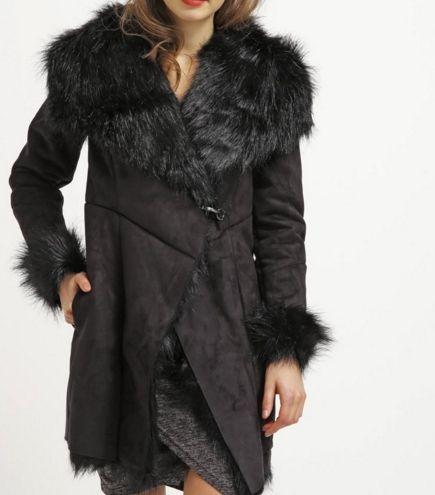 Miss Selfridge Krótki płaszcz kożuszek futerko czarny black
