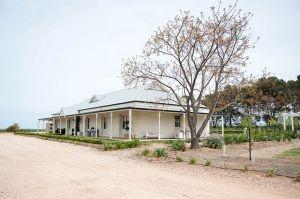 c6-An Australian Christmas - mylusciouslife.com - australian country house.jpg