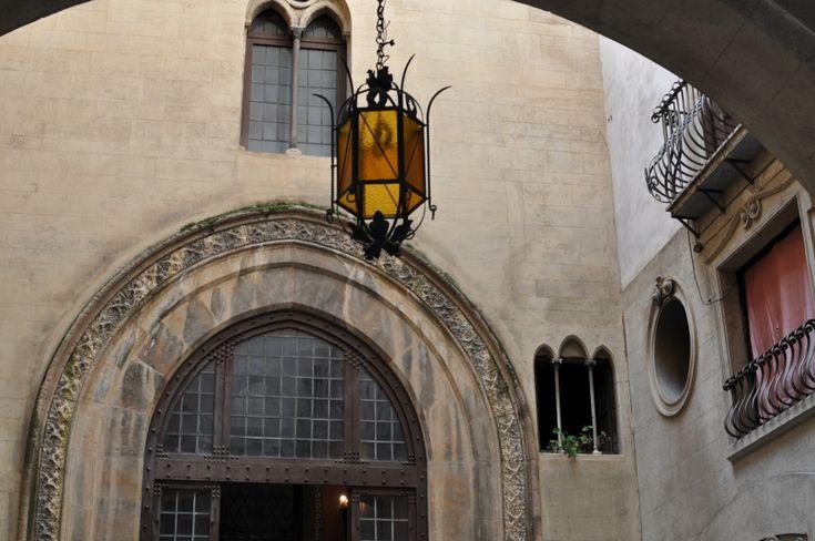 tour a Palermo per Isola che c'è visita ai Quattro Canti Palazzo Alliata di Villafranca La Martorana Fontana Pretoria catacombe dei Cappuccini liberty