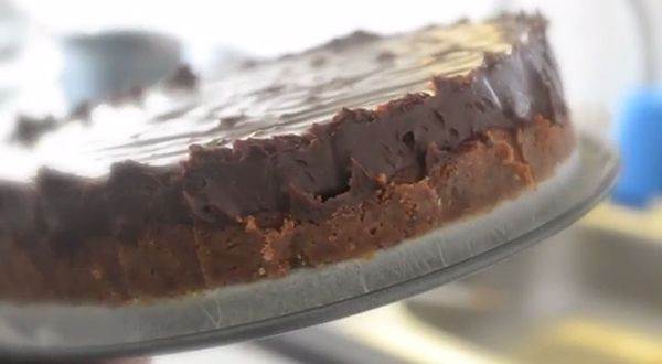 Video: Chocolade fudgetaart - OhMyFoodness