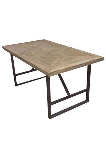 Une belle table de repas au design industriel ou brocante. Dim : L 160 x P 90 x H 76 cm. Pour 8 personnes maxi. Plateau en pin recyclé. LIVRAISON OFFERTE
