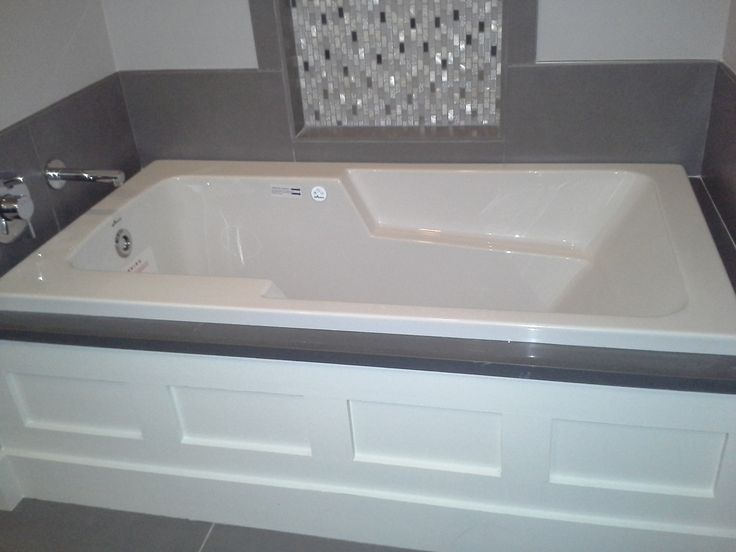 Charming This Is An Americh Air Tub. Made In The USA!