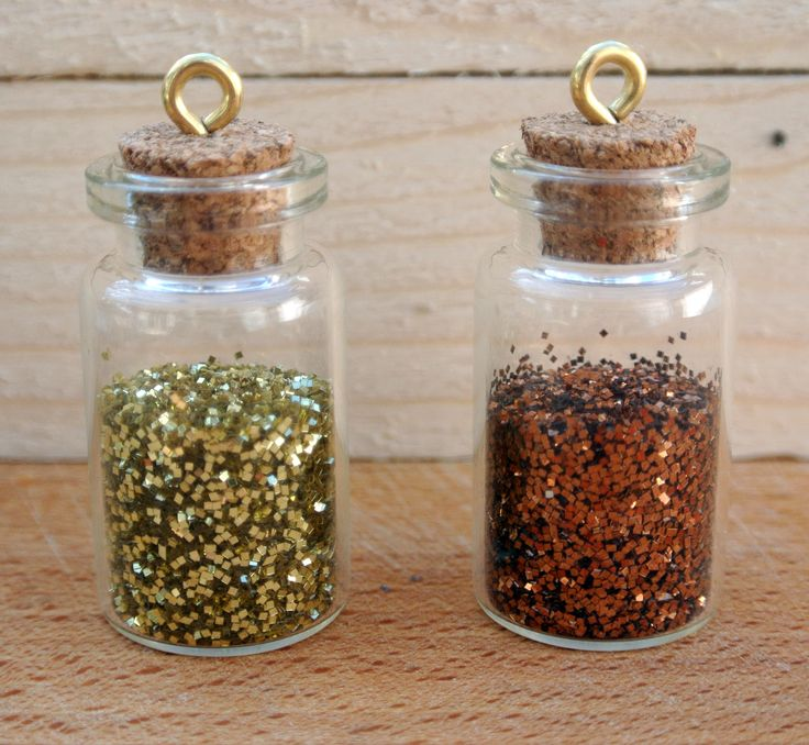 Glitter mini bottles (full tutorial on our website)