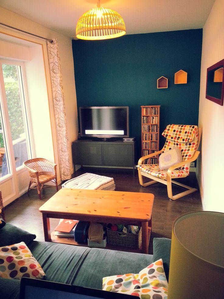1000 ideas about bleu p trole on pinterest blue carpet room decorations and petrole - Mur bleu petrole ...