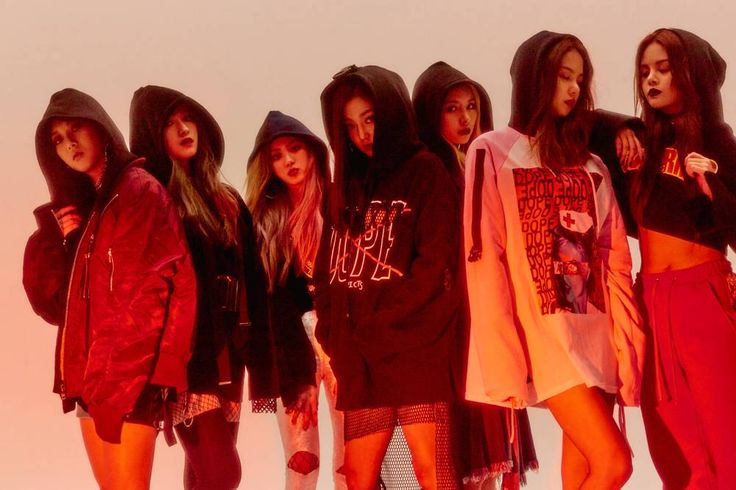 CLC members thank HyunA for her help on 'Hobgoblin' http://www.allkpop.com/article/2017/01/clc-members-thank-hyuna-for-her-help-on-hobgoblin