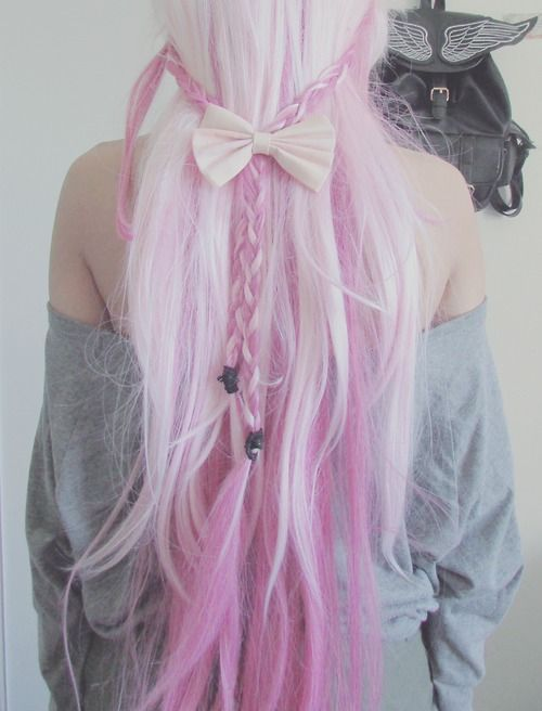 Pastel goth dyed hair styles - http://ninjacosmico.com/how-to-pastel-goth/