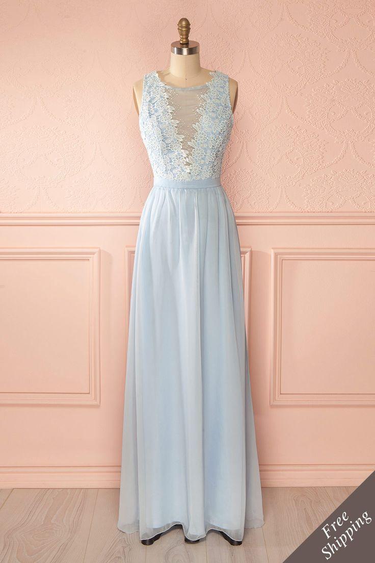Robe bleu clair maxi broderies billes perles décolleté plongeant - Light blue maxi dress embroideries pearls plunging neckline