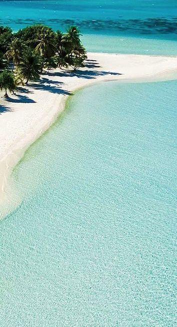 Bora Bora, French Polynesia. Va, esta playa necesita un turista: yo