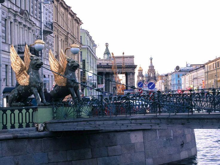 カザン大聖堂 - サンクトペテルブルクのおすすめ観光地・名所   現地を知り尽くしたガイドによる口コミ情報【トラベルコちゃん】