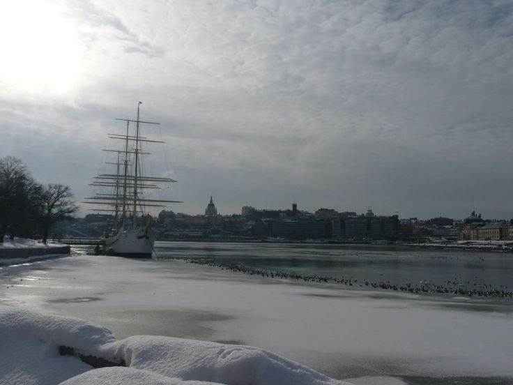 Ce bateau est en réalité une auberge de jeunesse, sur l'une des îles de la capitale suédoise. Ca donne envie ?