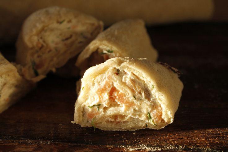 Om man gillar kallrökt lax och nybakad Klådda (mjukt tunnbröd) är detta recept en höjdare på exempelvis buffébordet. Klådda har sitt ursprung från Kalixtrakten (rätta mig om jag har fel!) Brödet ha...