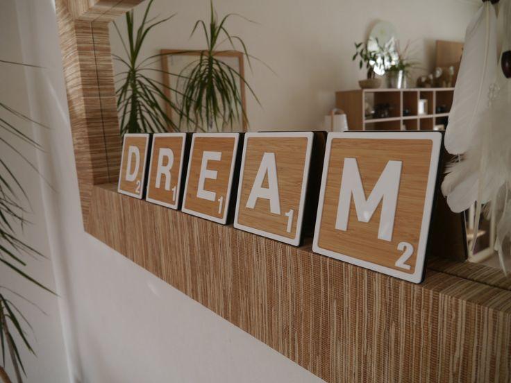 les 25 meilleures id es de la cat gorie lettres scrabble sur pinterest artisanat de carr s de. Black Bedroom Furniture Sets. Home Design Ideas