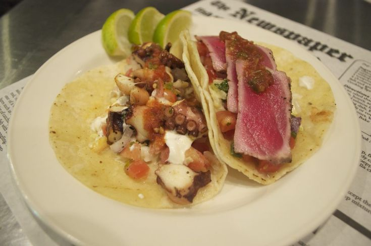 gluten-free seafood & tacos at Buster's Sea Cove in Toronto in St. Lawrence Market  #glutenfree #seafood #toronto