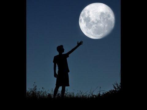 Фильм о том, как Луна формировала нашу Землю. Известные факты в невероятном исполнении. Просмотрев видео, Вы без всяких сомнений, узнаете о малоизвестных фактах, которые сформируют новое представление о Луне.  Луна - это огромный организм, который уникальным образом формирует нашу Землю, можно сказать, берет непосредственное участие в нашей жизни.