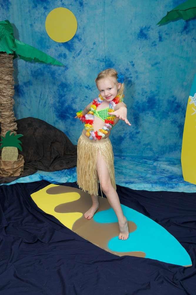 Luau / Hawaiian Birthday Party Ideas | Photo 5 of 18 | Catch My Party
