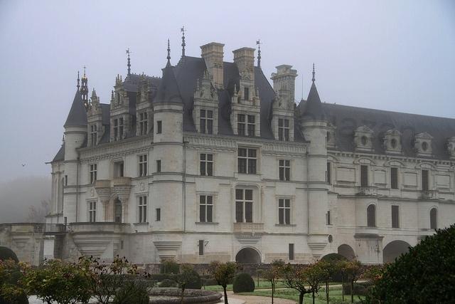 paris bastille add