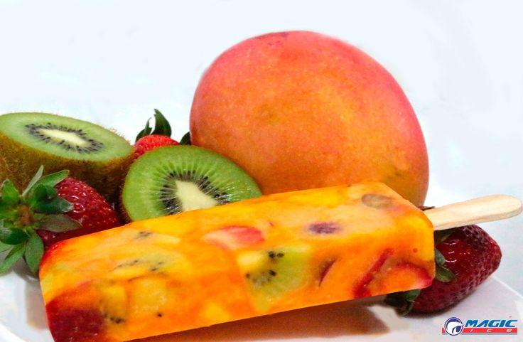 Paleta mexicana de salada de fruta