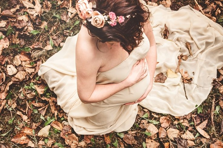 Seattle Editorial Rustic Maternity Session - via Gaby Cavalcanti Photography