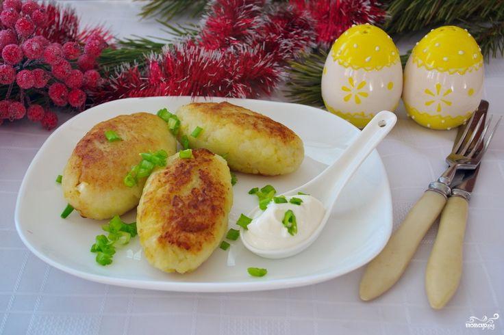 Картофельные котлеты с колбасой