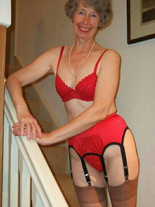 Pin By Pauline Sissy On Sissy Adores Older Women -6363