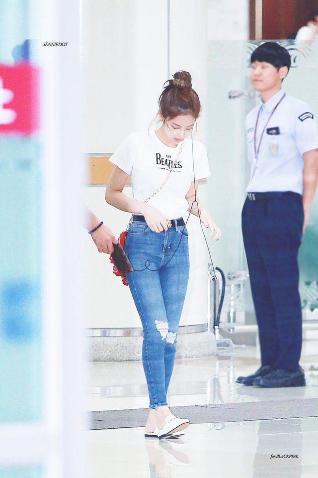 Jennie-BLACKPINK | WEAR IT | Blackpink fashion, Fashion ...