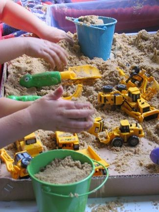 Post highlights the benefits of everyday sensory play for preschoolers and offers many ideas. Pinned by SPD Blogger Network. For more sensory-related pins, see http://pinterest.com/spdbn