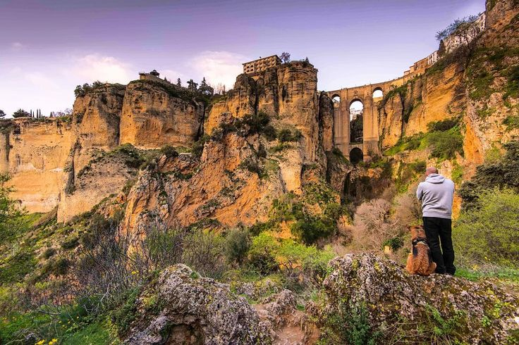 Always want to visit so here we are #ronda #puentenuevo #spain #travelspain #loves_spain #loves_andalucia #andalucia #greatoutdoors #ok_andalucia #travelphotography #potd #instatravel #igersandalucia #visitspain #europe_gallery #besteuropephotos #igs_europe #loves_europe #landscape #eurotrip #spain #adventurelife #getoutstayout #hikingwithdogs #dogsthathike #dogsofinstagram #traveldog  #travel #travelphotography #gsd #germanshepherd #k9