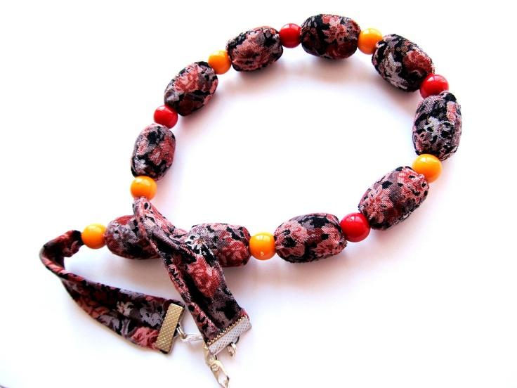 """Náhrdelník """"Pták Ohnivák"""" Pestrobarevný náhrdelník z latky a velkých korálků. Délka = 48 + 2, 5 cm"""
