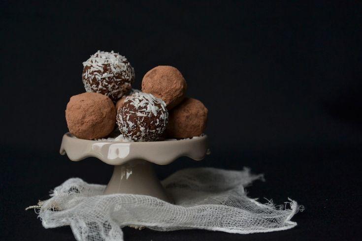 Truffes végétales à la poudre & au beurre de cacao crus
