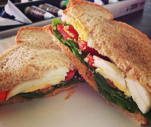 roasted red pepper hummus & vegetable egg sandwich