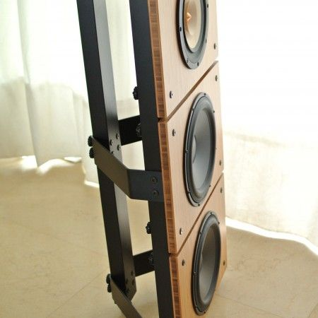 With just the perfect size for medium and smaller listening rooms, mounted on only 42cm wide baffles, this unique and musical Bass & Mid Woofer makes frequencies under 40HZ well hearable and physically felt, without compromising on the sweet and natural mid that makes Morel drivers so popular ! Price: 189.-US$/pc,699.-US$/4pcs Prices are excl. VAT and shipping costs for the US and Israel We also ship from Frankfurt, Germany, contact us for more details