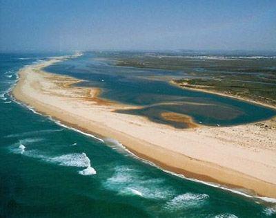 Ook alle vakanties naar Portugal vind je op: luvotra.nl  Vergelijk en selecteer…