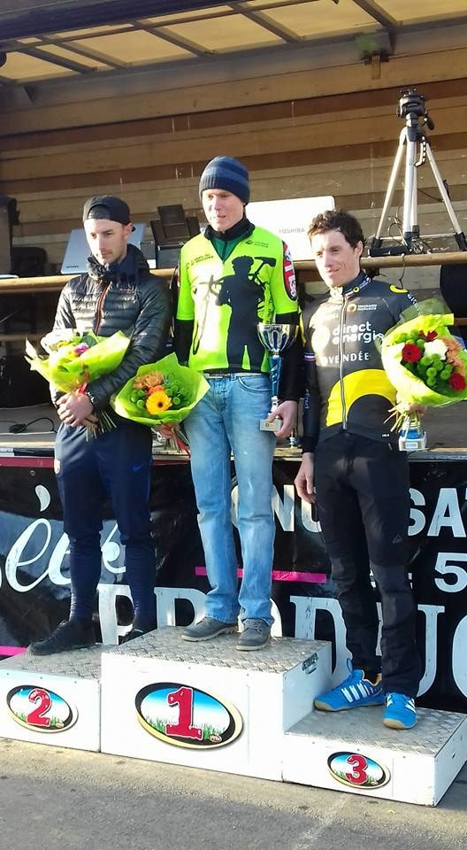 Podium des juniors, Seniors Cyclo Cross Neuvy St Sépulcre