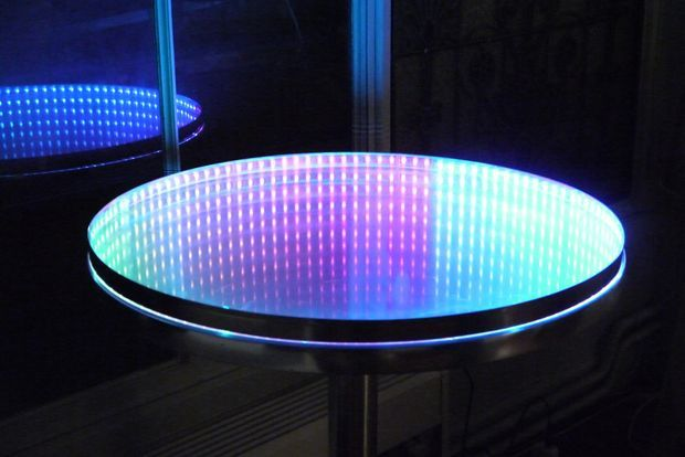 Picture of Infinity mirror and table (With casual tools)