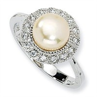 Pearl and diamond ring..