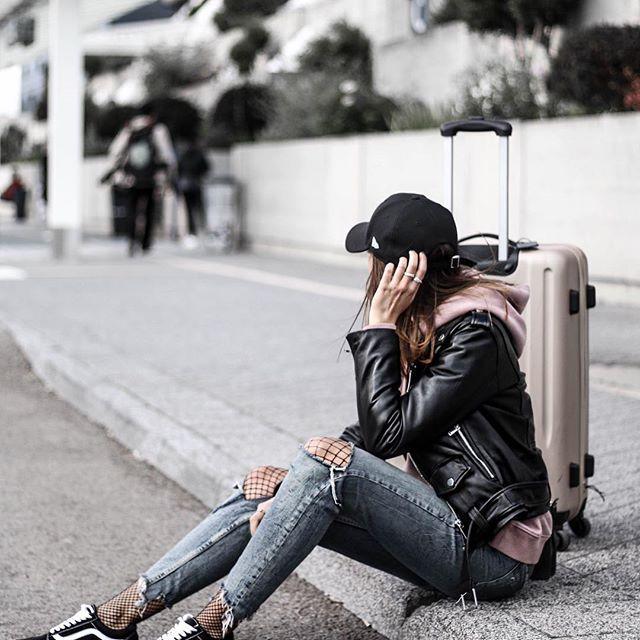 Airport look ✈️ New post sur le blog ➔ junesixtyfve.com✔ #ootd #outfit #wiwt #tenue #look #tenuedujour #lookoftheday #lookdujour