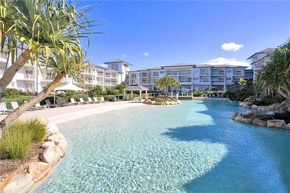 Kingscliff is only a short drive from Brisbane and is a great place to stay if you'd like to explore both Byron Bay and the Gold Coast. There are two holiday resorts (Mantra and Peppers) that offer fabulous apartments and large lagoon style pools. A perfect weekend getaway!
